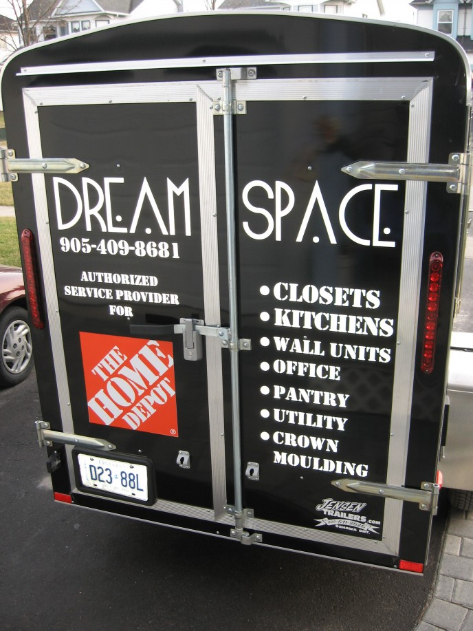 Black and white contrast really makes the Home Depot logo noticeable on this trailer.